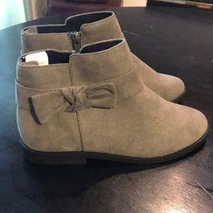 Almost Perfect 5 / Gray Suede Crazy 8 Booties